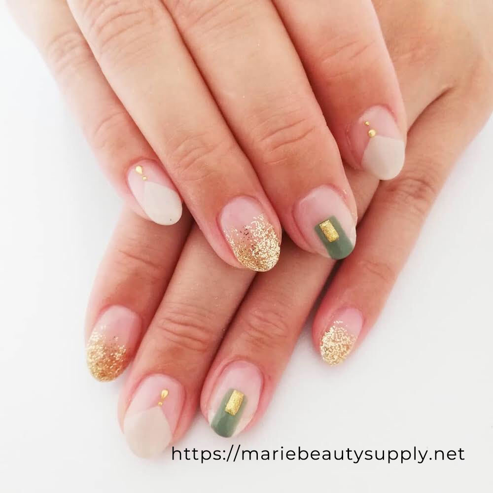 Simple Nails with Squares and Triangles.