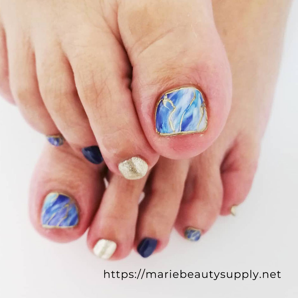 Gradient Pedicure Inspired By The Summer Sea.