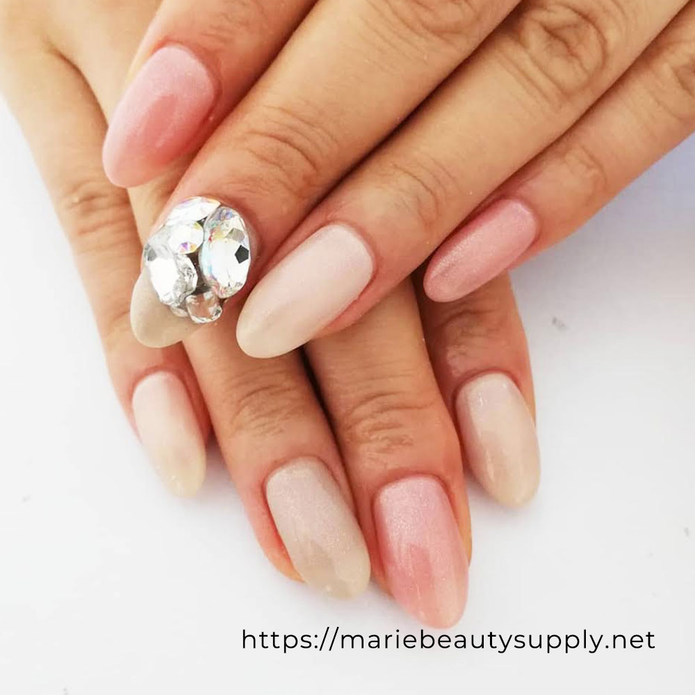 Simple and Glamorous Bijoux Nails.
