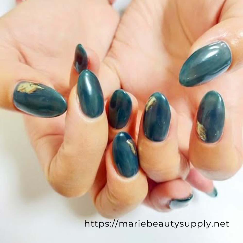 Dark Green and Gold Mirror Nails.