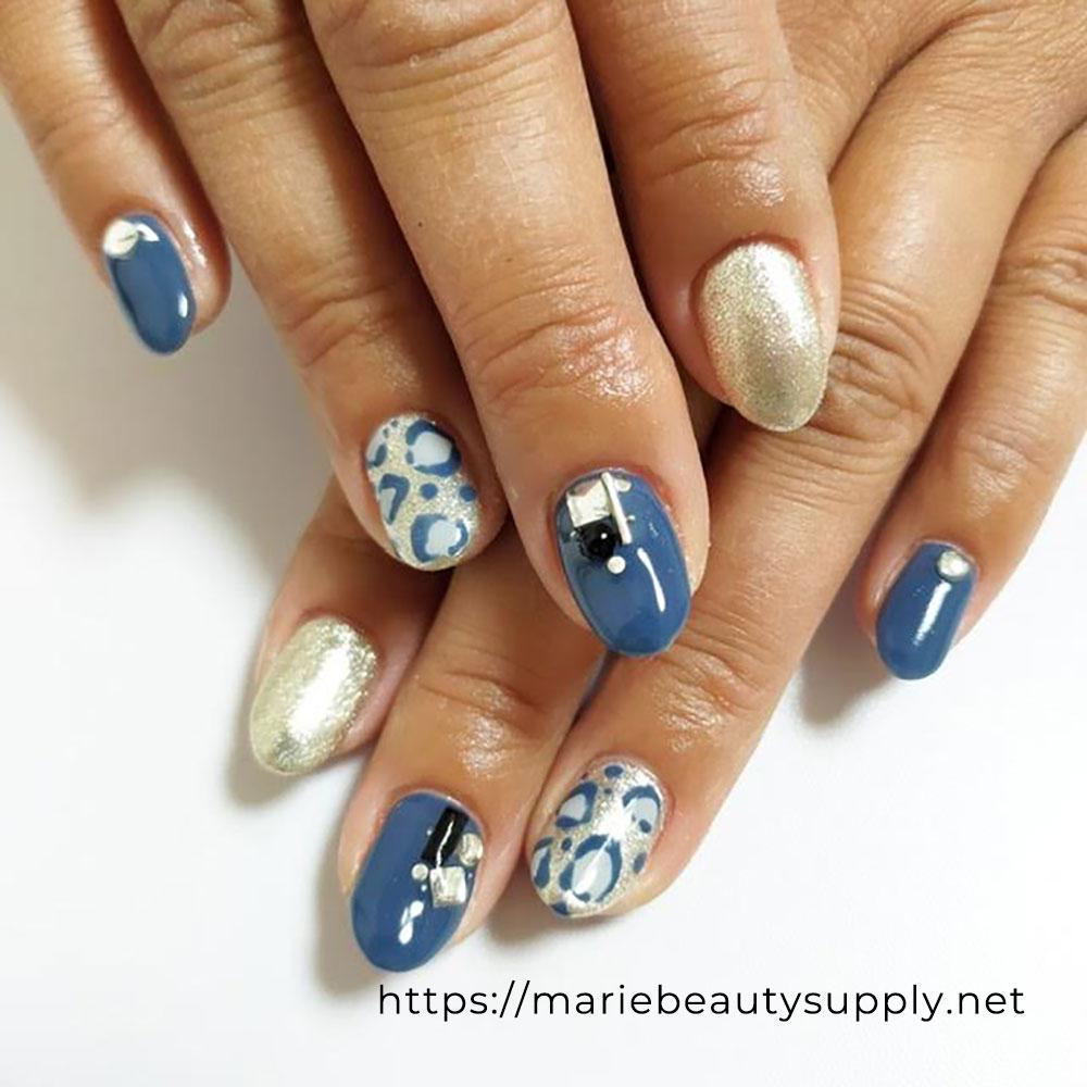 Blue Leopard Print Nails.