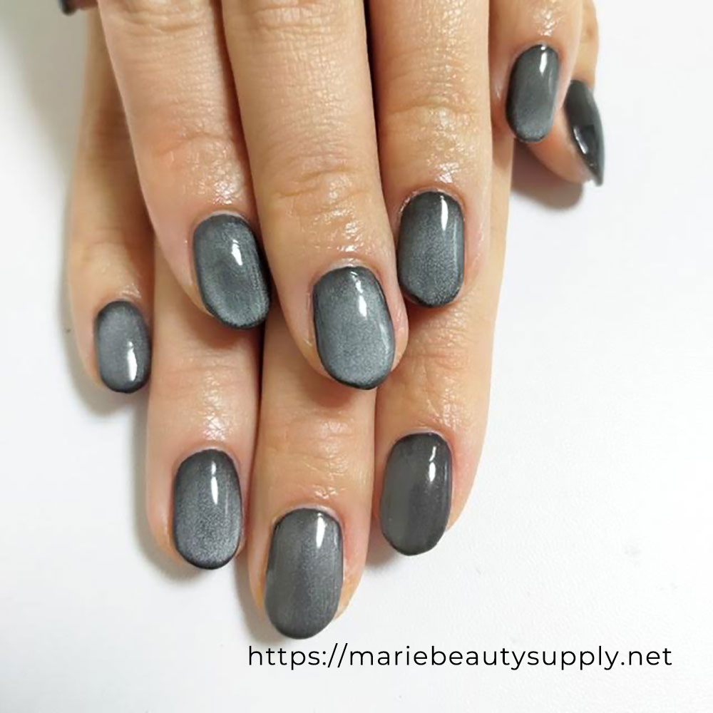 Simple Magnet Nails.