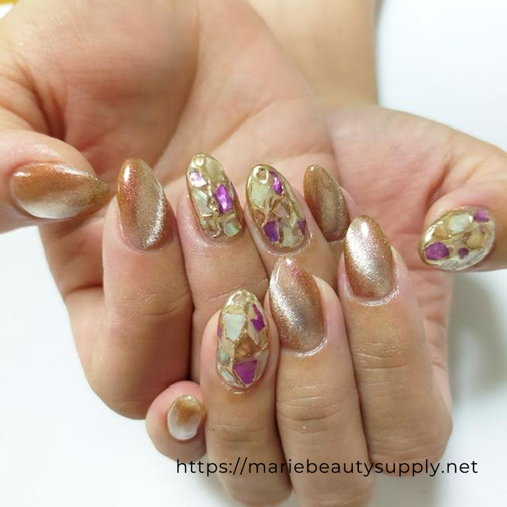 Magnet x Mirror Nail Shell Design Nails.